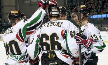 Hokej: GKS bije lidera [foto]