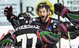 Hokej play-off: Tyszanie zapomnieli o wczorajszym wyniku i są o krok od złota