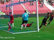 Piłka nożna: Bramka Grzybka na wagę trzech punktów [foto]