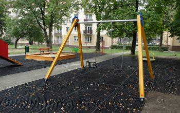 """Projekt """"Zielone podwórka"""" w Tychach"""