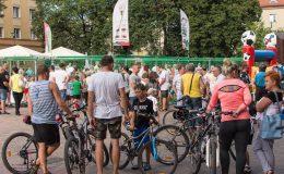 Piłkarze GKS Tychy trenowali na placu Baczyńskiego