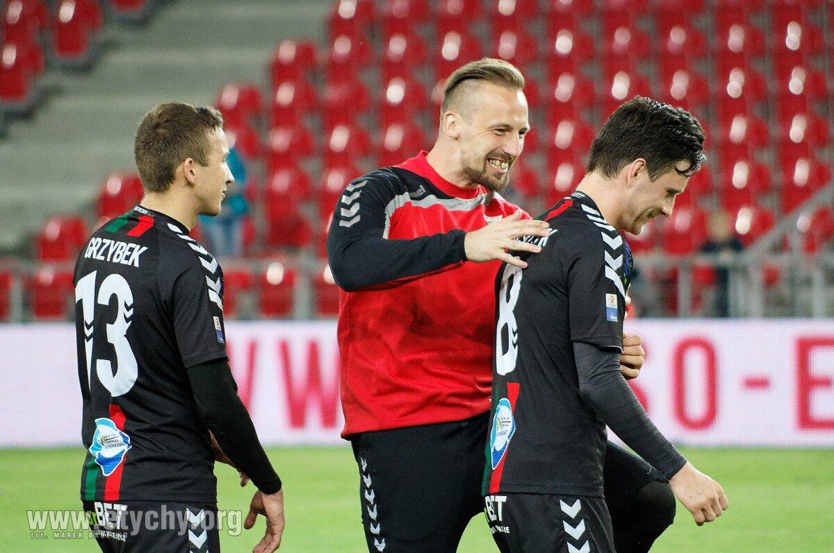 Piłka nożna: Kapitan złożył podpis pod nowym kontraktem