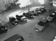 Policja poszukuje sprawcy zniszczenia trzech samochodów przy ulicy Dębowej