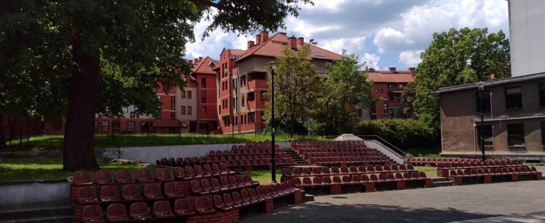Poranek Muzyczny – Wspomnienia Dawnych Dni na dziedzińcu Teatru Małego