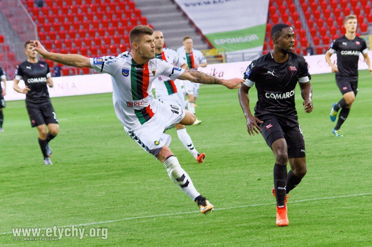 Piłka nożna: Piotr Ćwielong żegna się z GKS Tychy