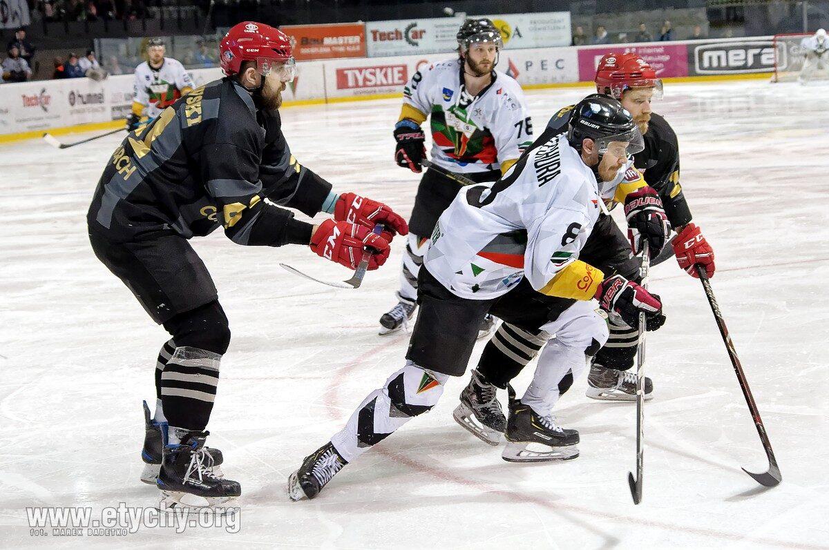 Hokej play-off: GKS obejmuje prowadzenie w finale po trafieniu Szczechury – specjalisty od złotych goli [foto]