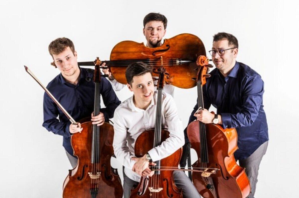 Poranek Muzyczny – CelloManiax na dziedzińcu Teatru Małego