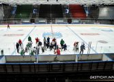 Hokej: Mistrzowie wrócili do domu