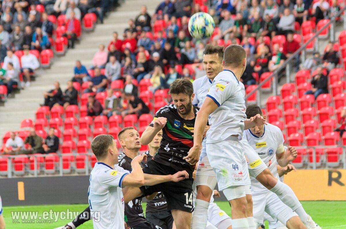 Piłka nożna: GKS ratuje trzy punkty w doliczonym czasie gry. GKS Tychy – Wigry Suwałki 2:1 [foto]