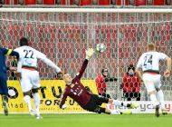 Piłka nożna: Nowy kontrakt Konrada Jałochy